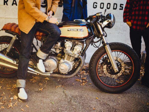 Les motos de style vintage pour homme les plus en vogue